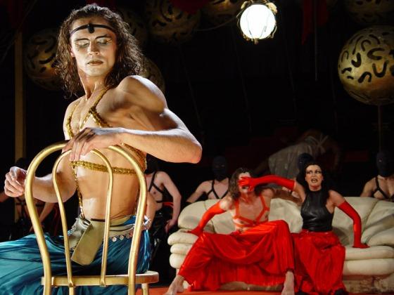 obnazhenie-v-teatre-smotret